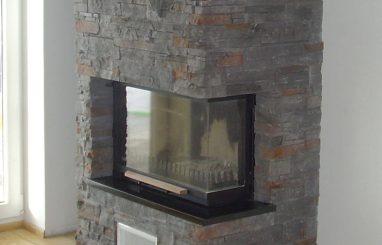 Moderne kamin nurgaklaasiga dekoratiivkivi