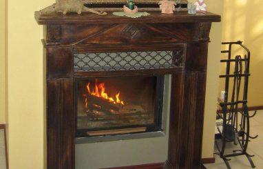 kamin puit fassaadiga madal